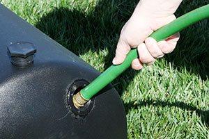 filling roller with garden hose